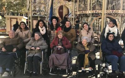 Los voluntarios de La Mano que Ayuda, comprometidos con nuestros mayores